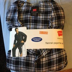 Hanes Men's Flannel Pjs size XL